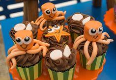 Vai fazer uma festa fundo do mar para o seu filho? Veja opções de convites, decorações, bolos, doces e lembrancinhas temáticas!