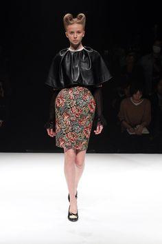 Motonari Ono Fall 2013 Ready-to-Wear Collection Slideshow on Style.com