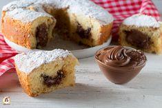 Come non far affondare la Nutella nei dolci, torte, muffins, ciambelloni, ciambelle, plumcake. Con questo trucco nelle vostre ricette la nutella rimarrà al centro della fetta e non cadrà sul fondo del dolce. Pochi e semplici passaggi per preparare ciambelloni e torte belle e super golose. Anche Bimby per non seccarla