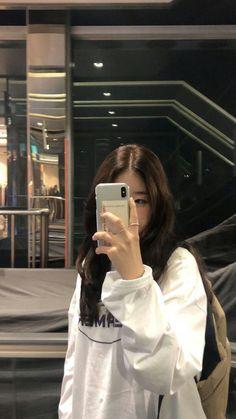 Korean Girl Photo, Korean Girl Fashion, Cute Korean Girl, Ulzzang Fashion, Asian Girl, Korean Street Fashion, Korean Aesthetic, Aesthetic Girl, Ulzzang Korean Girl