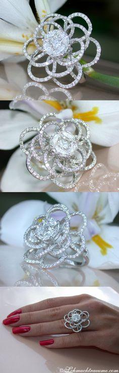 Fabulous Diamond Ring, 2.92 ct. G-SI/VS WG18K - Visit: schmucktraeume.com Mail: info[at]schmucktraeume.com