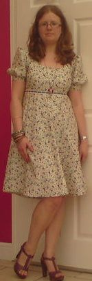 Sorbet Surprise gets Sew Crafty!: My 1975 Ditsy Floral Dress -Finished!