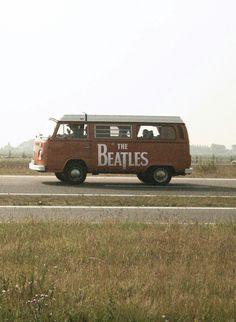 It was a tough call . Cars board or Beatles board? The Beatles win this one. Ringo Starr, Les Beatles, Beatles Guitar, Paul Mccartney, Nass El Ghiwane, Wolkswagen Van, Fotografie Portraits, Music Rock, Retro Vintage