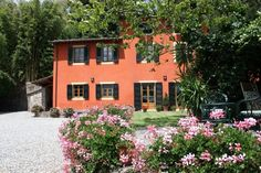 Holiday Home for Rent - Casa di Annadora located in thge grounds of Villa Grabau, Lucca, Tuscany