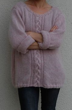 Du tricot à gogo.several oversized sweaters Dance Outfits, Knitting Patterns, Cool Style, Bubble Gum, Bubbles, Textiles, Clothes, Oversized Sweaters, Fashion
