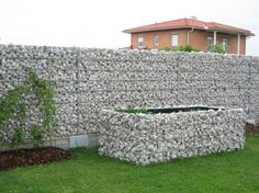clôture de jardin lamelles-bois-vernies-élément-métallique-déco ...