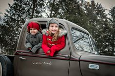 Outdoor Holiday Photo Shoot, Christmas Mini Session, vintage truck Christmas, Sisters, Siblings Christmas www.SueQuinlanPhotography.com  www.Facebook.com/SueQuinlanPhotography www.instagram.com/suequinlanphotography