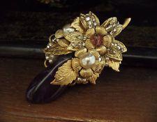 VINTAGE Non Tagliato Ametista e spilla di perle con fiori in oro. Miriam Haskell…