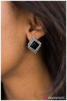 Paparazzi Accessories  $5 Bling! Lead & Nickel free!! www.paparazziaccessories.com/49241