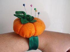 alfiletero calabaza fieltro,alambre,cintas cosido a mano