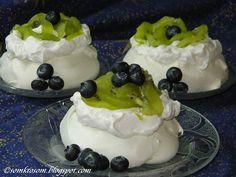 RECEPTY Z MOJEJ KUCHYNE: Mini tortičky Pavlova s pistáciovým pudingom