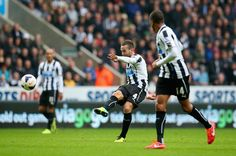 Yohan Cabaye - Newcastle United v Liverpool - Premier League