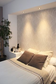 ribbon box incorporating spotlights for headboard with wallpaper Bedroom Wall Designs, Master Bedroom Design, Home Decor Bedroom, Minimalist Bedroom, Modern Bedroom, Bedroom Spotlights, Home Room Design, Suites, Luxurious Bedrooms