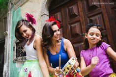 Fotos de família da Sessão Confete   Cris Rezende Fotografia #fotofamlia #Carnaval #Largodoboticario #fotografia #Rio de Janeiro #sessaoconfete #family #picture #crisrezende
