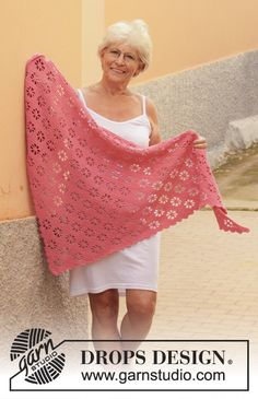 Free knitting patterns and crochet patterns by DROPS Design Crochet Shawls And Wraps, Crochet Poncho, Filet Crochet, Crochet Scarves, Lace Shawls, Knit Cowl, Hand Crochet, Knitting Patterns Free, Free Knitting