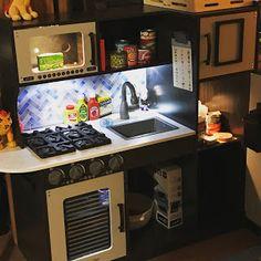 My Favorite Melissa and Doug Toys : Melissa & Doug's Play Kitchen