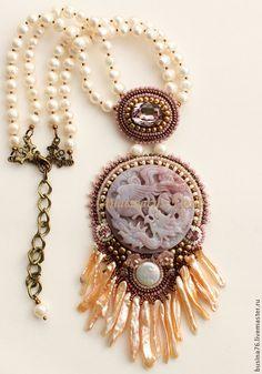 Купить Кулон Розовый дракон (розовая яшма, Сваровски, жемчуг) - розовый, резьба по камню