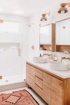 Bathroom Storage Solutions, Bathroom Organization, Organisation Hacks, Organized Bathroom, Purse Organization, Organizing, Contemporary Shower, Contemporary Interior, Wall Mount Faucet