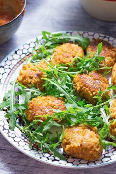 Turkish Lentil and Bulgur Wheat Patties with SaladFollow for  Mein Blog: Alles rund um Genuss & Geschmack  Kochen Backen Braten Vorspeisen Mains & Desserts!