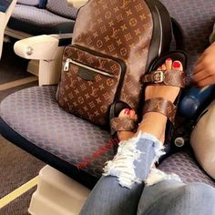 Louis Vuitton Shoes, Vuitton Bag, Louis Vuitton Handbags, Purses And Handbags, Louis Vuitton Monogram, Tote Handbags, Handbags Online, Cute Sandals, Cute Shoes