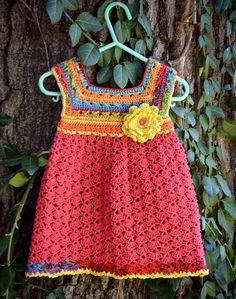 Beautiful Dress with a classy, classic feel that will make any little girl feel like a princess. Sizes available are 9 Months, 12 Months and 2t. I'm working on adding larger sizes.