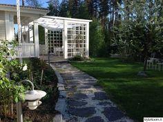 puutarha,puutarhakalusteet,puutarhakatos,kivetys,pihakivetys