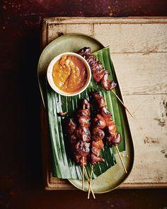 Sate Ayam, Gourmet Recipes, Gourmet Foods, Molecular Gastronomy, Blood Orange, Pavlova, Plated Desserts, Food Presentation, Food Plating