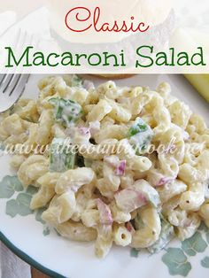 Mom's Macaroni Salad Recipe from The Country Cook. The best macaroni salad recipe! Plus, it has a secret ingredient that really makes it stand out from all others! {Use GF pasta} Side Recipes, Pasta Recipes, Great Recipes, Salad Recipes, Cooking Recipes, Favorite Recipes, Mac Salad Recipe, Tuna Recipes, Classic Macaroni Salad