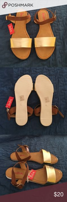 Vera Blum Gold and Tan Flat Sandals - size 9 NWT Vera Blum Gold and Tan flat sandals. Size 9 or 40 (euro). Super comfy, great for everyday wear Vera Blum Shoes Sandals