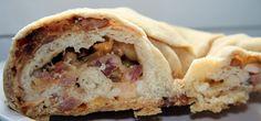 Le Casatiello est un cake salé typique de la cuisine napolitaine. Généralement, on prépare cette spécialité rustique durant la période de pâques (la forme