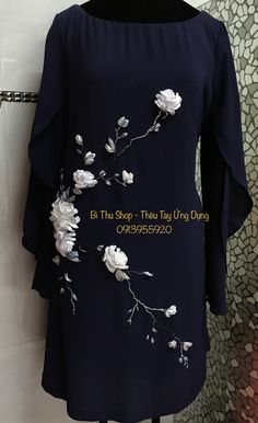 Embroidery On Kurtis, Kurti Embroidery Design, Silk Ribbon Embroidery, Hand Embroidery Designs, Lace Beadwork, Abaya Pattern, Hand Painted Dress, Fashion Vocabulary, Salwar Designs