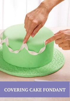 Learn how to make a easy cake fondant -- tutorial here!