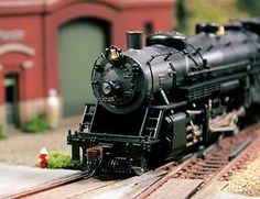 It has been said that collecting classic toy trains in the world's greatest hobby. Many of today's collectors received their first toy train set when they were young, often as a Christmas or birthday present. Ho Model Trains, Ho Trains, Homemade Shoe Rack, Lionel Trains Layout, Train Info, Model Training, Ho Scale Trains, Christmas Train, Model Train Layouts