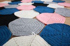 Winter Hats, Crafty, Knitting, Crochet, Handmade, Ideas, Stuff Stuff, Bed Covers, Crocheting