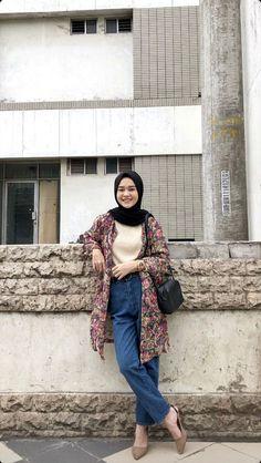 Casual Hijab Outfit, Ootd Hijab, Hijab Chic, Girl Hijab, Casual Outfits, Fashion Outfits, Modern Hijab Fashion, Hijab Fashion Inspiration, Muslim Fashion