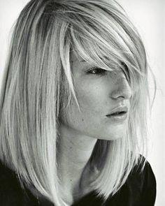 Mittellange Haare: Flexible Fransen                                                                                                                                                                                 Mehr