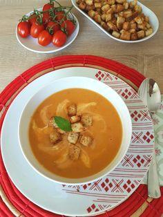 Supa cremă de linte roşie este o supă extraordinară, cu o sursă bogată in proteine, antioxidanți, minerale şi numeroase vitamine. Se fierbe destul de repede iar cu doar câteva legume obţinem o sup…