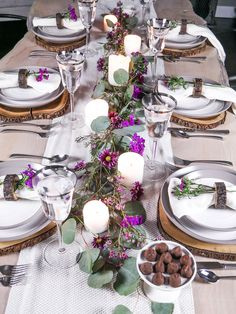3 ideas on a dime- Romantic inspired place settings -  I am all about the romantic inspired pretty much everything over here...         And that includes tables and entertaining ideas.   This sh...