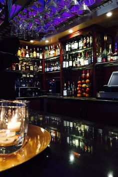 Get the #weekend started with drinks at 1160 #bar inside #TheHollywoodHotel. #hotel