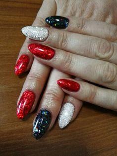 Risultati immagini per unghie rosse