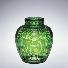 This covered potpourri jar displays engraving that represents the best work done at his firm. Corning Museum Of Glass, Glass Museum, Corning Glass, Cut Glass, Clear Glass, Glass Vase, Steuben Glass, Glas Art, Leaded Glass