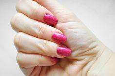 #manicure #mani #manioftheday #motd #nails #nailsoftheday #notd #paznokcie #naillacquer #nailpolish #lacquer #polish #nagellack #pink #oriflame #nailrepair #microcell #microcell2000