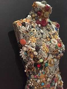 Vintage Jewel Encrusted Mannequin - Front - New Ideas Costume Jewelry Crafts, Vintage Jewelry Crafts, Jewelry Art, Antique Jewelry, Jewelry Bracelets, Art Mannequin, Dress Form Mannequin, Vintage Ornaments, Button Crafts