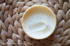 Tělový balzám z kokosového oleje Tableware, Diy, Dinnerware, Bricolage, Tablewares, Do It Yourself, Dishes, Place Settings, Homemade
