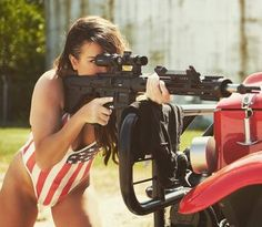 10 Interesting Facts About Women in Army Military girl - Beautiful Girls & Guns Hot Country Girls, Outdoor Girls, Military Women, Military Female, Trucks And Girls, Female Soldier, Dangerous Woman, Poses, Bikinis