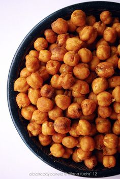 Your New Favorite Snack: Spicy Roasted Chickpeas Meet Your New Favorite Snack: Spicy Roasted ChickpeasLive Your Life Live Your Life may refer to: Chickpea Recipes, Vegetarian Recipes, Healthy Recipes, Easy Recipes, Real Food Recipes, Cooking Recipes, Snacks Saludables, Good Food, Yummy Food