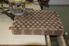 How to make butcher block cutting board with drainage groove