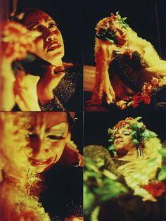 """Durante todo o mês de outubro, o espetáculo """"RisoFlora - A História de uma Drag Queen"""" ganha exibição no Espaço O Poste."""