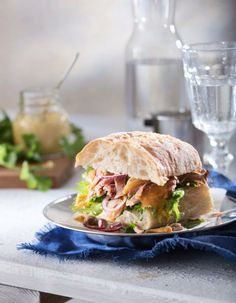 Pulled Pork, Salmon Burgers, Sandwiches, Chicken, Ethnic Recipes, Food, Shredded Pork, Essen, Meals