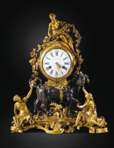 Belle pendule à l'Enlèvement d'Europe en bronze patiné et bronze doré d'époque Louis XV, vers 1760-1765, le cadran et le mouvement signés HENRY BLONDEL / A PARIS